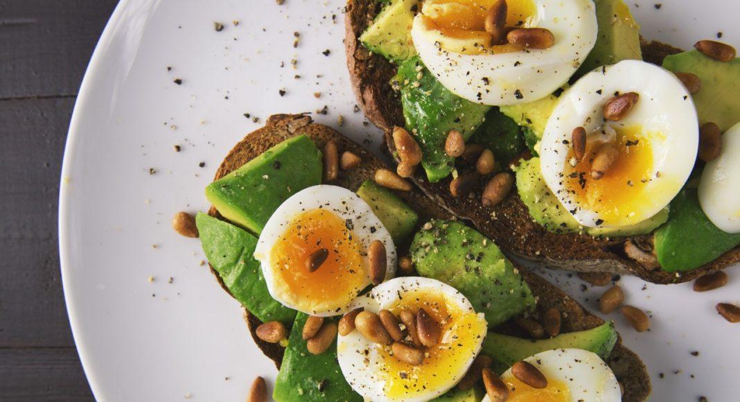 proteinova dieta vzorovy jidelnicek